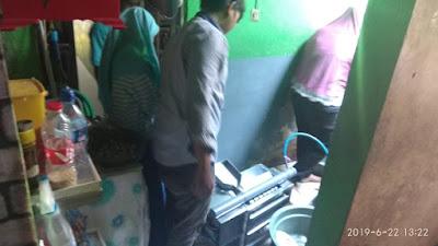 """Tim PKM-T Unesa """"MIBER KUY"""" Telah Meluncurkan Mesin untuk Membantu Meningkatkan Produktivitas UKM Sate Telur Puyuh Di Surabaya"""