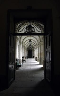 detalhe do edifício da Biblioteca Municipal do Porto