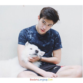 Julian Jacob, foto terbaru Julian Jacob, pacar Julian Jacob, instagram Julian Jacob, agama Julian Jacob