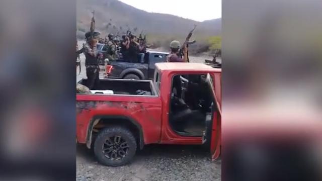 Video: Sicarios preparándose horas antes del enfrentamiento entre La línea vs La Gente Nueva del CDS en Guadalupe y Calvo, Chihuahua