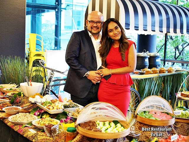Mr & Mrs Harith Iskander