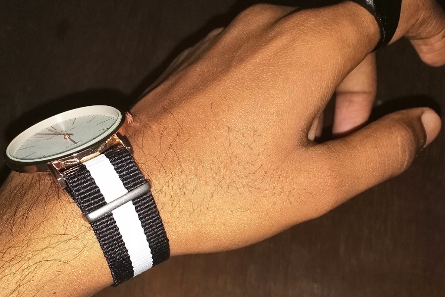 Watches qith6 stripe design bands.