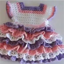 Vestido Bebé con Volantes a Crochet