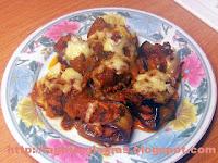 Ρολά μελιτζάνας με λουκάνικα σε σάλτσα ντομάτας - by https://syntages-faghtwn.blogspot.gr
