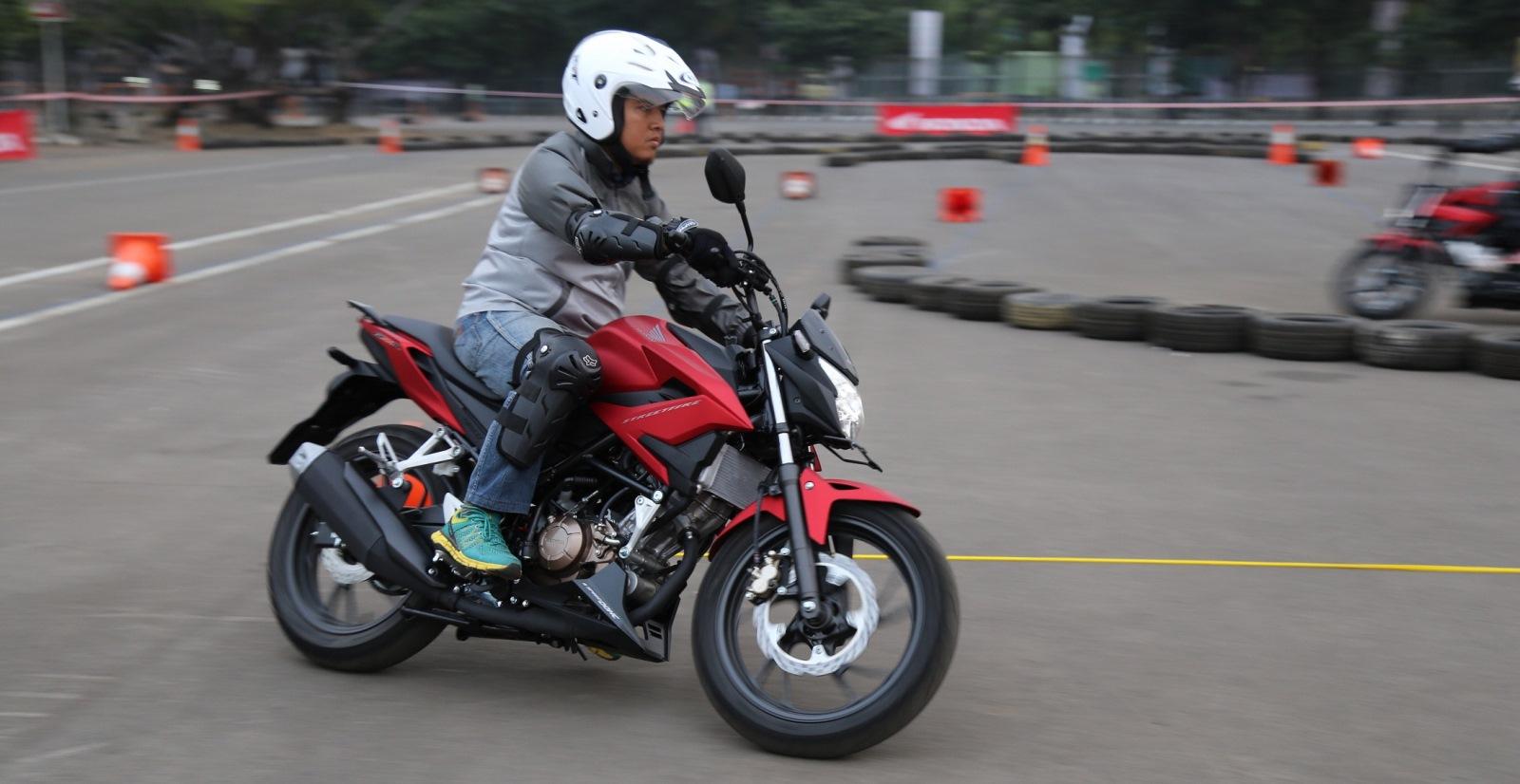 Anisa Counter Sales Dealer Nagamas Motor Klaten All New Cb 150r Streetfire Honda Racing Red Kudus Cb150r Hadir Semakin Gagah