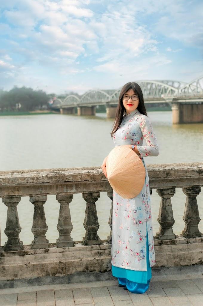 Dạo quanh Cầu Trường Tiền cùng Phan Dương. Photo: Đinh Công Thái. Photo #5