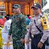 Babinsa Pantau Penyerahan  Bantuan RTLH dan Jambanisasi Kepada Warga Tidak Mampu