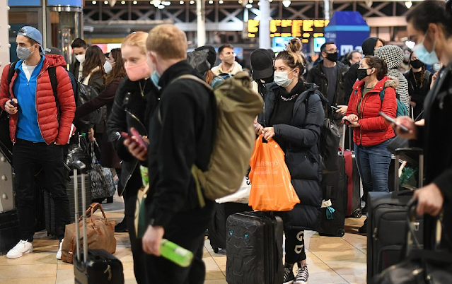 Побег из Лондона. Британцы начали массово покидать столицу на фоне появления коронавируса-мутанта