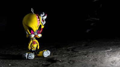"""Get Animated"" Looney Tunes Bugs Bunny & Tweety Bird Vinyl Figures by Pat Lee x ToyQube x Soap Studio"