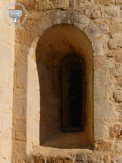 SABRAN (30) - Chapelle romane Saint-Julien-de-Pistrin (XIIe siècle)