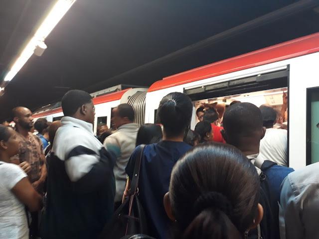 Humo en vagón del Metro de Santo Domingo obliga evacuar pasajeros