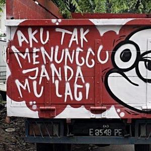 Gambar DP Bbm Tulisan Belakang truk aku tidak menunggu jandamu