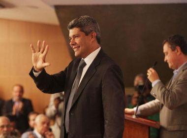 Secretário de Educação da Bahia confirma reforma de escola e construção do Complexo Poliesportivo em Entre Rios