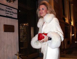 Το σύνδρομο της Μαρίας Αντουανέτας έχει κυριεύσει τους «άριστους» ανεύθυνους…