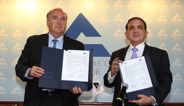 Concanaco y el Centro de Estudios Económicos del Comercio ServyTur firman convenio de colaboración