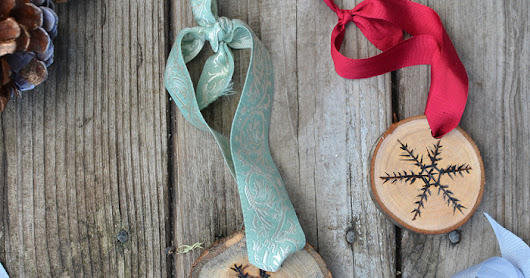 Wood burned Wood Sliced Snowflake Ornaments +26 other Christmas Projects