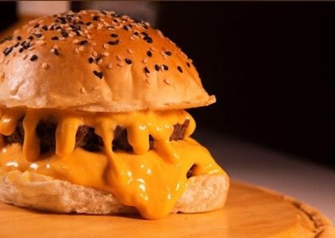 Bateu aquela vontade de hambúrguer? Burguer House; confira a prévia do novo cardápio!