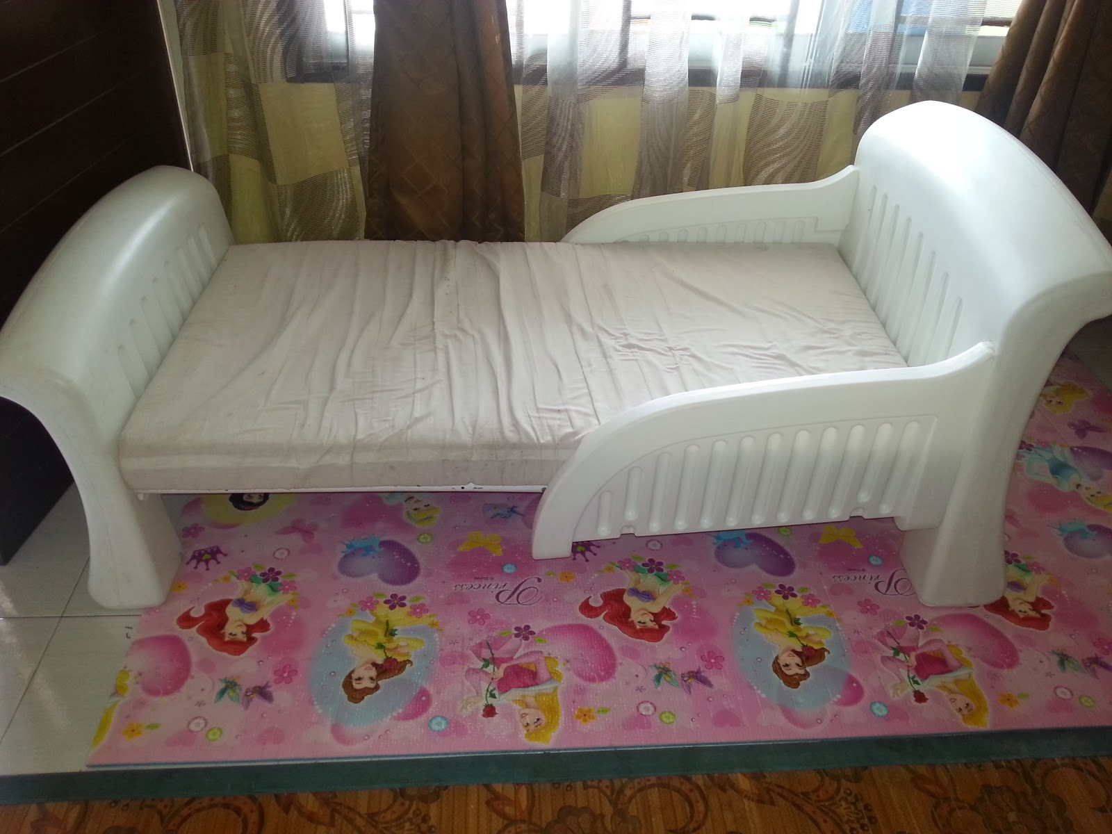 cosco baby chair room and board chairs mybundletoys2: toddler white bed with bedrails (sold)