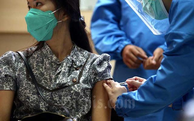 24 Jam Setelah Disuntik Vaksin Sinovac, Ini yang Dirasakan Sukarelawan