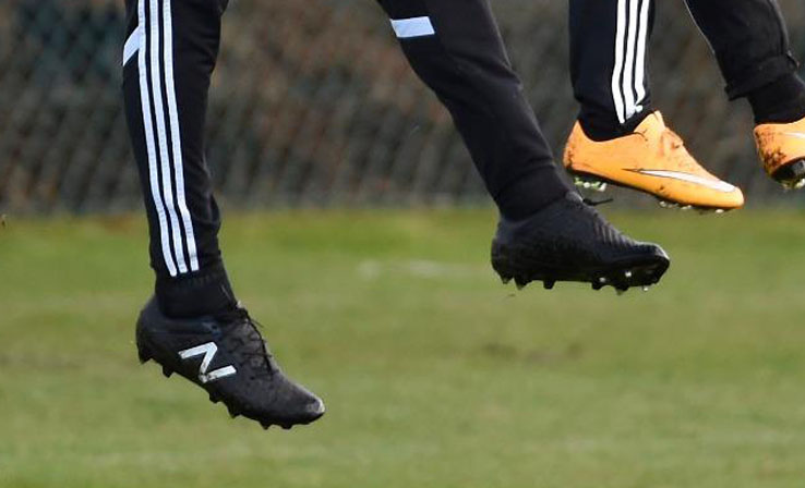 new balance homme football