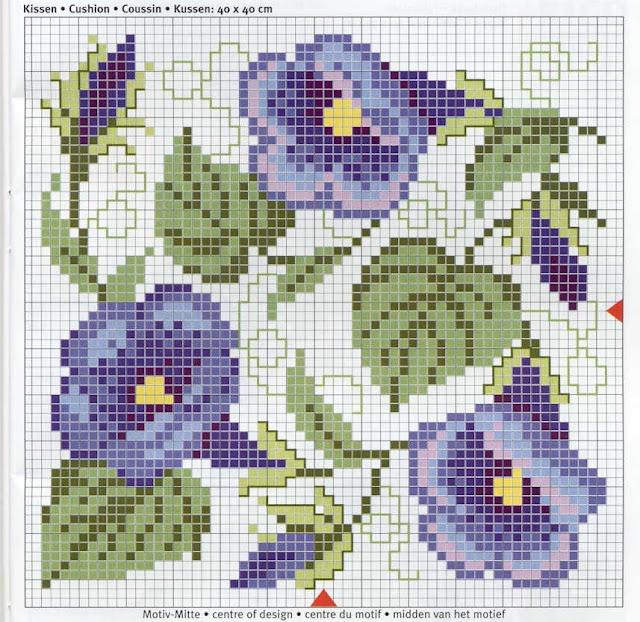 mantel bordado angular  flores azules y lilas