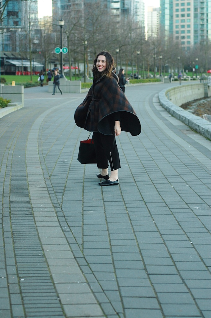 Coach blanket cape coat outfit Vancouver fashion blogger