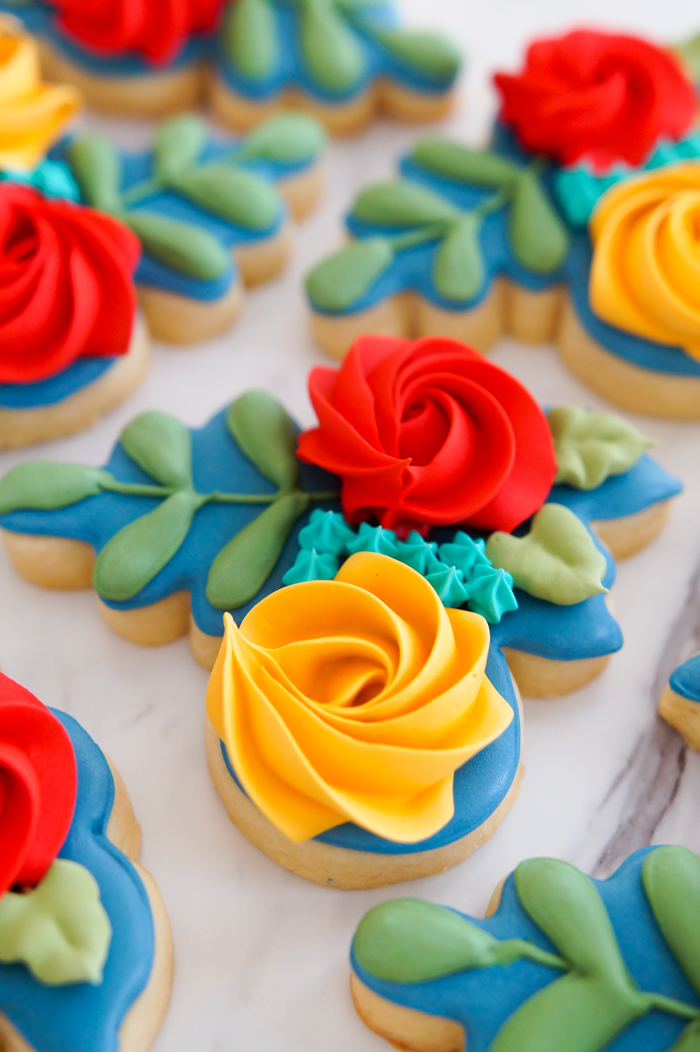 color-inspired floral bouquet cookies