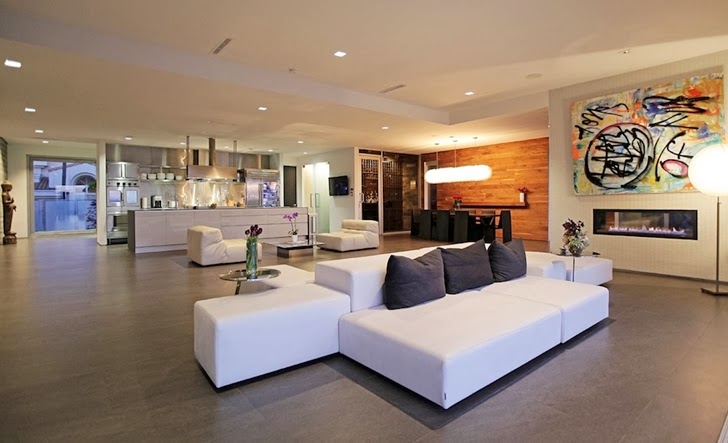 Open living room in Modern Beverly Hills House with open interiors