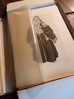 15 - Citadine portant l'ancien qaftan de Tétouan.