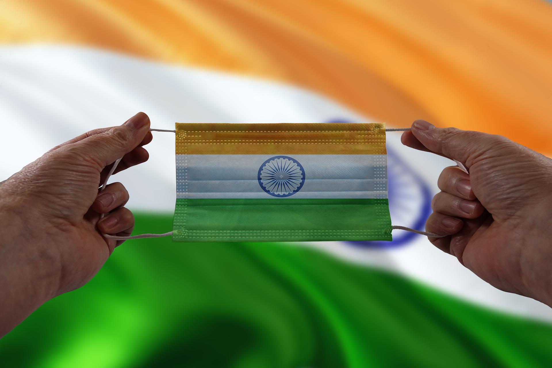 تراجع عدد الإصابات اليومية بكورونا في الهند