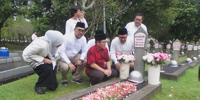 Di depan makam Taufiq Kiemas, Cak Imin minta Izin Jadi Cawapres Jokowi