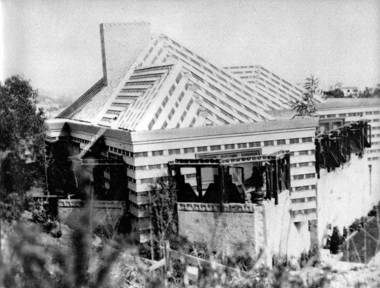 Southern California Architectural History: Tina Modotti, Lloyd