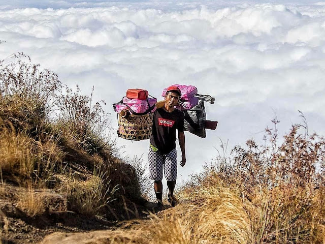 porter pendaki gunung (2)