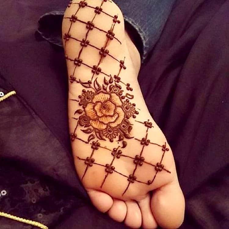 Easy-Jaali-Mehndi-Design