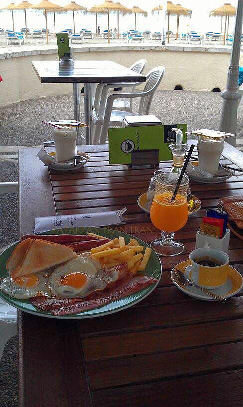 desayuno continental.Hotel Voramar. Almuerzos reglamentarios. Benicassim