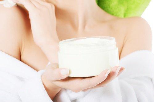 Qu'est ce que cette crème naturelle pour les cicatrices et les blessures ?