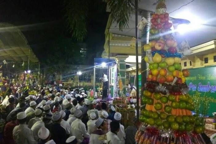 Sedot Antusiasme Ribuan Warga, Pesantren Ini Punya Cara Unik Peringati Maulid Nabi Muhammad SAW