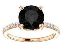 anel de diamante preto