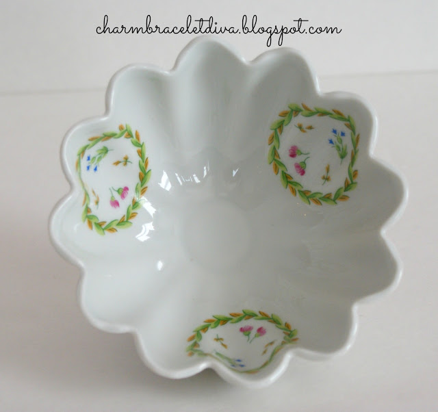 Porcelaine Limoges Castel France fluted floral patterned bowl