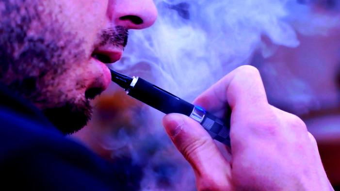 تارودانت24 - أمريكا ستحظر نكهات السجائر الإلكترونية للحد من إقبال المراهقين عليها