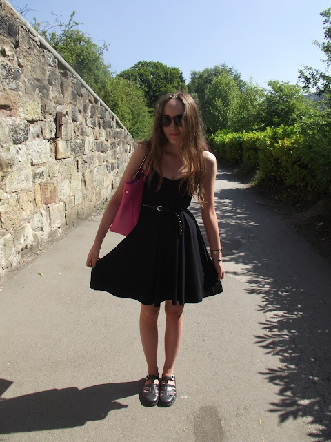 OOTD, what to wear to the zoo, what to wear in a UK heat wave, summer outfit, style, asos swing cami strappy dress, lbd, pink la moda hand bag, studded waist belt, juju black flat jelly shoes sandals