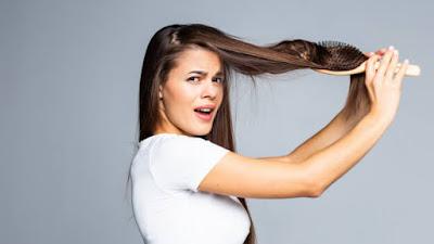 Mitos Rambut Rontok Yang Selama Ini Anda Percayai