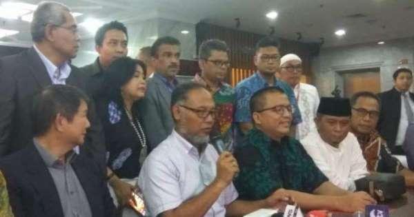 Tim MK Prabowo-Sandi Digembosi?