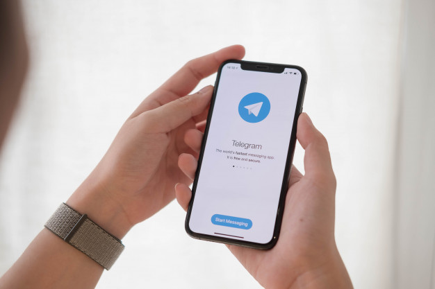 Cari teman kenalan Mengugnakan Telegram