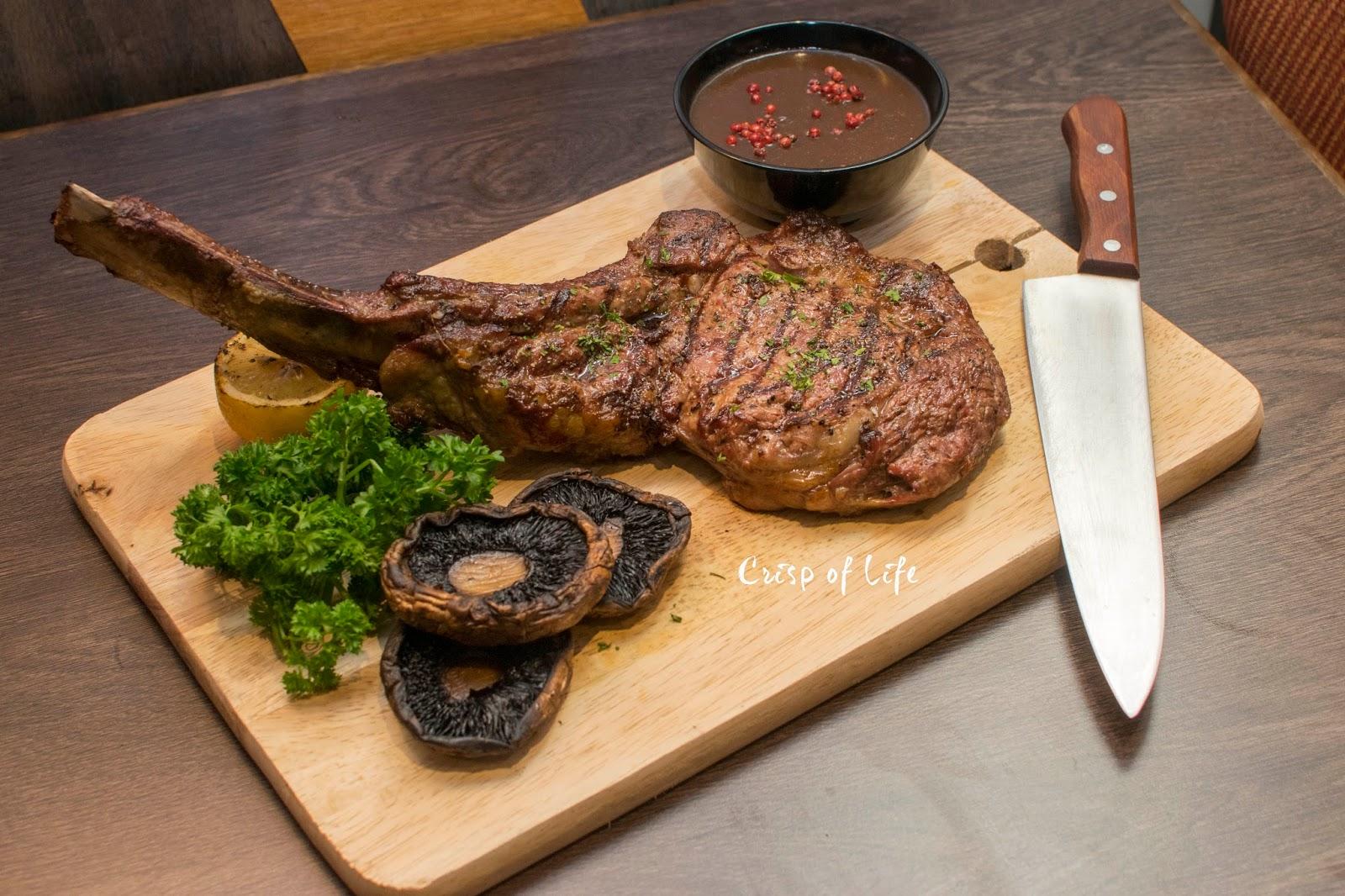 The BAR°N Gurney Plaza Tomahawk Steak pub
