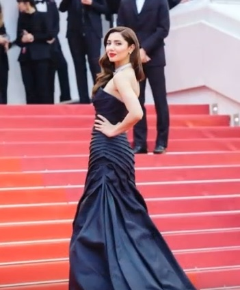mahira khan, bollywood, hot, dress, red carpet, radiant