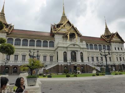 Uno de los edificios del Palacio Real