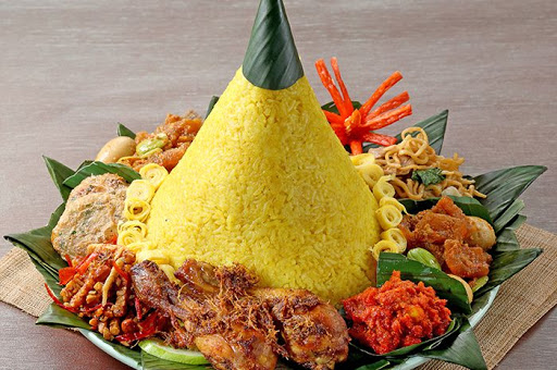 Bahan-bahan yang Biasa Disajikan pada Nasi Tumpeng Mini
