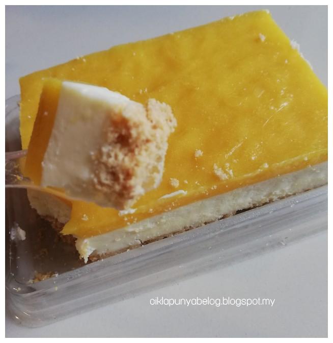 Mango Cheese Cake, khas untuk penggemar cheese. Memang sedap tak ingat!