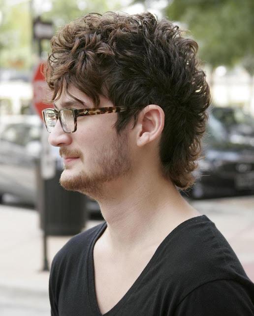 cortes de cabelo masculino ondulados e cacheados fauxhawk (3)